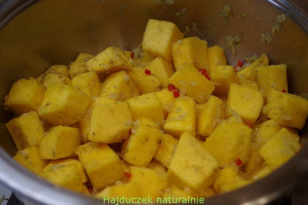 zupa z dyni i masła orzechowego